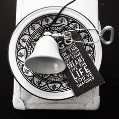 OUI . OUI: Black & white inspiration