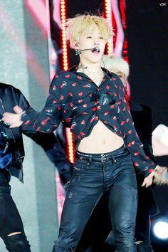 Jimin doesn't need abs! Bts Jimin, Jimin Hot, Bts Bangtan Boy, Park Ji Min, Billboard Music Awards, Jikook, Namjoon, Taehyung, Bts Love