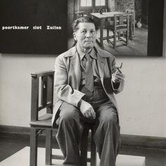 Rietveld at Utrecht's Centraal Museum in 1958.