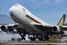 Singapore Airlines Cargo 9V-SFJ Boeing 747-412F/SCD aircraft picture