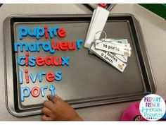 Primary French Immersion Resources: Word work with word wall rings! French Teacher, Teaching French, French Flashcards, French Worksheets, Spanish Teaching Resources, French Resources, French For Beginners, French Education, Kids Education