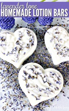 Lavender Love Homemade Lotion Bars Is lavender one of your favorite essential oil scents for DIY beauty recipes? Learn how to make easy Homemade Lotion Bars with coconut oil, dried lavender buds and other natural ingredients. Lotion Bars Diy, Beauty Care, Diy Beauty, Beauty Tips, Beauty Hacks, Natural Beauty Recipes, Beauty Soap, Beauty Women, Lotion En Barre
