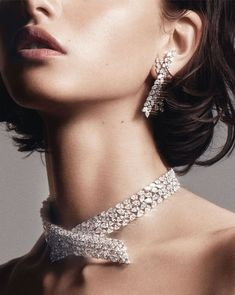 Bauchle Fashion: Accessories Forecast: Diamond Necklaces Are A Girl's Best Friend Jewelry Model, High Jewelry, Stone Jewelry, Men's Jewelry, Jewelry Bracelets, Pearl Jewelry, Jewelry Ideas, Silver Jewelry, Bangles