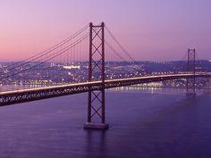 Lisboa - Ponte 25 de Abril (as viagens de autocarro para a praia...)  Lisbon - 25th April Bridge (when I was a kid we crossed this bridge in a bus to go to the beach)