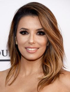 "Eva Longoria often appears on the red carpet with stunning hairstyles. The actress has chic, medium-length hair that can beRead More Beautiful Eva Longoria's Hairstyles Over The Years"" Cut Her Hair, Hair Cuts, Eva Longoria Hair, Summer Hairstyles, Cool Hairstyles, Modern Shag Haircut, New Hair Look, Hair Color Caramel, Celebrity Haircuts"