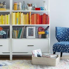 BOOKS STORAGE BY COLOR BY DECOR8
