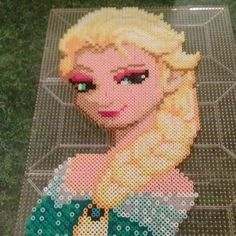 Elsa Frozen hama beads by urahara_pixel_shop