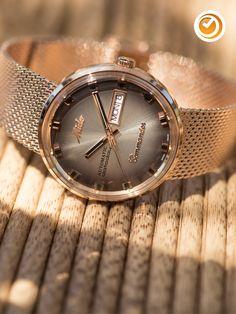#mido #commander #shade #specialedition #herrenuhr #automatikuhr #uhrzeit Mens Clothing Styles, Shades, Wristwatches, Clocks, Accessories, Popular, Deco, Board, Designer Clocks