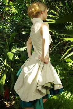 """Knielange Kleider - Kleid """"Ninfeo"""" - ein Designerstück von Stadtkleid bei…"""