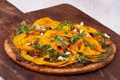 Pizza GreenOrange mit Hokkaido-Streifen und Pesto-Verde, 2 Portionen