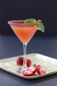 Dell Cove Spice Co.'s all natural strawberry flavored rim sugar adds a delicious touch and sweet sparkle to your martinis and margaritas. Our rimming sugar begins with an organic cane sugar, which is then infused with strawberry juice, dried organic strawberries and other ingredients - resulting in a rim sugar that tastes like fresh summer fruit. By Dell Cove Spice Co., Chicago, IL  http://www.dellcovespices.com