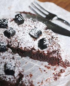Unelmaa leipomassa: LAKRITSIMUTAKAKKU #lakritsi #mutakakku #suklaa #kakku