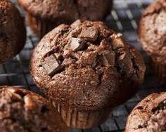Muffins au chocolat au lait : http://www.cuisineaz.com/recettes/muffins-au-chocolat-au-lait-54779.aspx
