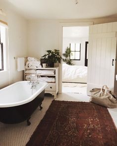 Find images and videos about home, house and interior on We Heart It - the app to get lost in what you love. Diy Interior, Interior And Exterior, Interior Modern, Bathroom Inspiration, Interior Inspiration, Bathroom Ideas, Cosy Bathroom, Bathroom Inspo, Design Bathroom