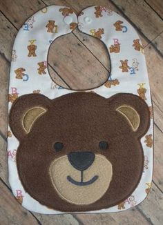 Bear bib pic