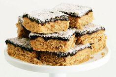 Weet-Bix Slice - Best Recipes BY: I have had this recipe for 30 years and it is great for lunch boxes or for visitors. An easy recipe for children to make. Coconut Recipes, Baking Recipes, Kiwi Recipes, Oats Recipes, Gf Recipes, Lunch Recipes, Recipe For Children To Make, Chocolate Weetbix Slice, Chocolate Cake