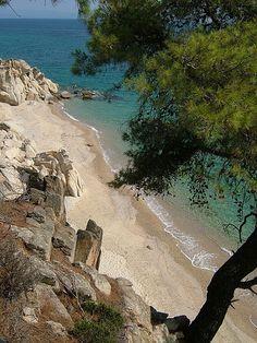 Near Vourvourou, Macedonia Beautiful Places To Travel, Beautiful Beaches, Great Places, Places To See, Athens Greece, Macedonia Greece, Halkidiki Greece, Exotic Beaches, Greece Islands