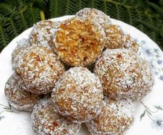 Recipe Apricot, date, seed and lime bliss balls! by photogypsy - Recipe of category Desserts & sweets
