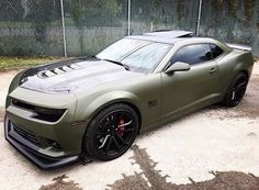 Camaro Iroc, Camaro Car, Chevrolet Camaro, Chevelle Ss, Custom Muscle Cars, Chevy Muscle Cars, Cool Sports Cars, Super Sport Cars, Green Camaro