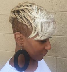 Short natural hairstyles 409405422376346544 - Superb Female Mohawk Hairstyles for Black Women New Natural Hairstyles, Mohawk Hairstyles, My Hairstyle, Black Girls Hairstyles, Short Hairstyles For Women, Trending Hairstyles, Hairstyles 2016, Edgy Haircuts, Woman Hairstyles