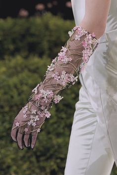 Detail at Christian Dior | Haute Couture Spring 2013 @}-,-;—