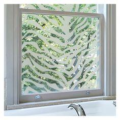 dpolir ses vitres de fentre pour occulter le vis vis est trs facile - Fenetre Salle De Bain Vis A Vis
