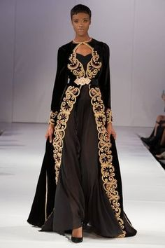 See all the Collection photos from Romeo Spring/Summer 2018 Ready-To-Wear now on British Vogue Indian Designer Outfits, Indian Outfits, Abaya Fashion, Fashion Dresses, Muslim Fashion, Abaya Mode, Style Marocain, Moroccan Dress, Traditional Dresses