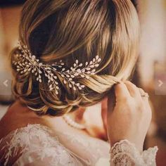2018 New Luxurious Bride Hair Accessories 100% Handmade Pearl Wedding Hair Jewelry Party Pom Bridal Starry Hair Comb Pearl Tiara Fash Jewels http://fashjewels.com/product/2018-new-luxurious-bride-hair-accessories-100-handmade-pearl-wedding-hair-jewelry-party-pom-bridal-starry-hair-comb-pearl-tiara/  Price: & FREE Shipping  #fashionjewely