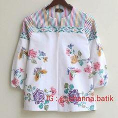 Batik Blazer, Blouse Batik, Batik Dress, Batik Fashion, Diy Fashion, Fashion Outfits, Fashion Design, Batik Solo, Batik Kebaya