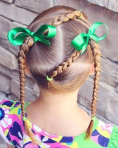 Looking for some quick school hairstyle ideas? Here are 34 easy hairstyles for school that will make mornings simpler, and still get you out the door on time. Quick and easy school day hair styles that will have your [Read the Rest] Lil Girl Hairstyles, Princess Hairstyles, Cute Hairstyles For Short Hair, Hairstyles For School, Braided Hairstyles, Short Hair Styles, Toddler Hairstyles, Girl Hair Dos, Girl Short Hair
