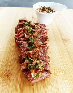 Bavette op de BBQ met chimichurri – Bavette on the BBQ with chimichurri – Thomas Culinair. Making Bavette on the Chimichurri, T Bone Steak, Bbq Meat, Bbq Grill, Barbecue Recipes, Grilling Recipes, Kamado Bbq, Meat Cooking Times, Cooking Games
