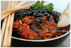 Nueva Cocina Marroqui: Zaaluk o Caviar de Berenjenas / berenjenas. tomates maduros. aceitunas negras. ajo. limón. aceite oliva. sal, pimienta, pimentón dulce, cilantro y comino