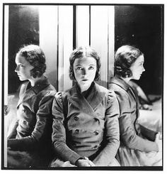 Lillian Gish 1929 - Photo By Cecil Beaton Photo: This Photo was uploaded by myvintagevogue. Find other Lillian Gish 1929 - Photo By Cecil Beaton picture. Dorothy Gish, Lillian Gish, Harlem Renaissance, Helmut Newton, Classic Hollywood, Old Hollywood, Hollywood Actresses, Hollywood Icons, Hollywood Glamour