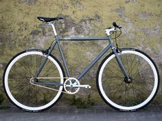 Glossy Grey Snake Singlespeed Bike