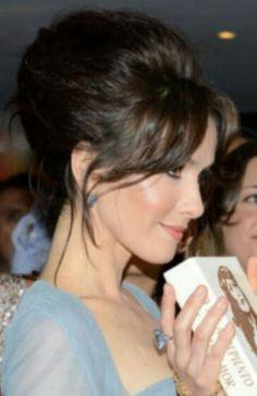 Natalia oreiro estreno Gilda peinado
