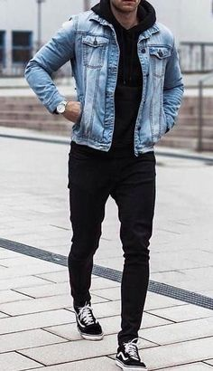 Denim jacket mens outfits Here are some denim jacket outfits for men and how to style them. Urbane Mode, Mens Fashion Blog, Fashion Fashion, Fashion For Man, Men Fashion Casual, Casual Wear For Men, Men Wear, Fashion Guide, Mens Fashion Suits