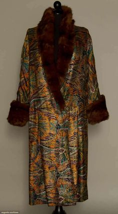 Augusta Auctions, March 30, 2011 - St. Pauls, Lot 359: Printed Lame Evening Coat, 1920s
