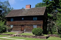 """Buttolph-Williams House, Wethersfield, CT. Circa 1711. Owned by Connecticut Landmarks and operated by Webb-Deane-Stevens Museum.   Home of Kit in the historical fiction """"The Witch of Blackbird Pond"""""""
