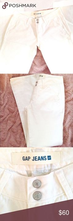NWOT • GAP 100% Cotton Jeans!! 🆕NWOT • GAP White Boot Cut/Straight Leg Jeans 👖 100% Cotton. Wide belt loops, pockets in front and straight across pockets in the back. These jeans are in mint condition.  • BRAND NEW WITHOUT TAGS • GAP Jeans Boot Cut