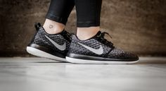 """W Roshe Two Flyknit 365 """"Wolf Grey"""" Nike Roshe Two, Phil Knight, Winter Collection, Wolf, Fall Winter, Sneakers Nike, Black And White, Grey, Bag"""