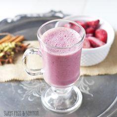 Strawberry Vanilla Chai Smoothies | sweetpeasandsaffron.com