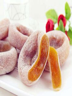 Halal Chinese Food - Shi Zi Bing - These are buns that are made from persimmons which are a common and very tasty fruit that is eaten in China.Enjoy Halal food,halal meat in Chinese Halal Restaurants with muslimtourtravel.com in China.