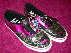 Monster High Girl's Shoes Footwear Sneakers CUTE Adore www. Monster High Shoes, Monster High Party, Fashion News, Fashion Models, Fashion Shoes, Girl Fashion, My Beautiful Daughter, To My Daughter, Shoe Gallery