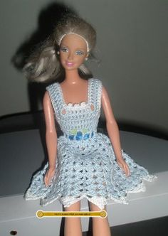 Handmade by Juliana Melo: Walkthrough dress Barbie in crochet http://feitoamaoporjulianamelo.blogspot.com.br/2009/06/passo-passo-vestido-da-barbie-em-croche.html
