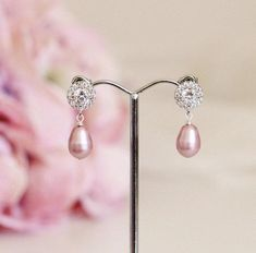 Blush Pink Pearl Earrings, Pink Wedding Earrings, #pinkearrings #pinkweddingjewelry #pearlearrings #bridesmaidjewelry #pearlbridalearring #blushpinkearrings #pinkbridesmaid #pinkweddingearring #pinkpearlearrings #pinkbridalearrings #bridesmaidgift #bridesmaidearrings #pearldropearrings