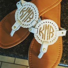 These monogram sandals that Katie shared on Facebook are  here in Idaho we don't see too many monograms- but I know they are popular in other places! Are you  monograms or  monograms? Glitter Heat Transfer Vinyl, Glitter Vinyl, Palm Beach Sandals, Vinyl Projects, Tory Burch, Popular, Monograms, Idaho, My Style