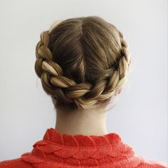 The halo braid is a street-ready style that nearly anyone can pull off.