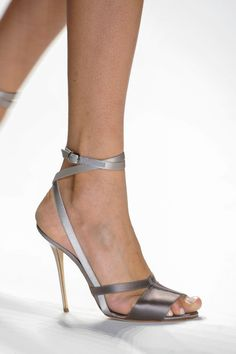 Carolina Herrera at New York Fashion Week Fall 2014 - Details Runway Photos