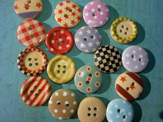 PAINTED WOOD BUTTON LotDotted ButtonsCraft by KornerCraftSupply