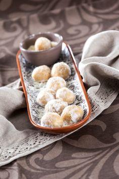 Bolinhas de queijo TeleCulinária 1860 - 1 de Dezembro - Disponível em formato digital: www.magzter.com Visite-nos em www.teleculinaria.pt